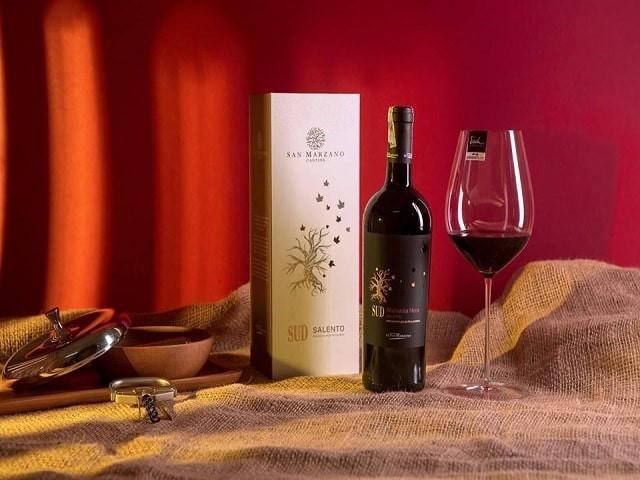 Hộp quà tết rượu – hộp quà tết sang trọng