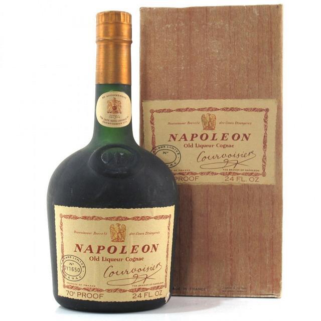Chai rượu Napoleon được các ông chủ các lò rượu xem như báu vật cần được nâng niu và gìn giữ