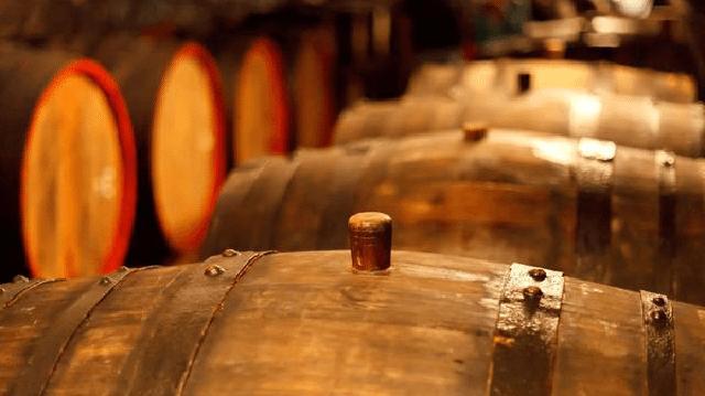 Dựa vào ngày sản xuất để tìm được thời điểm thưởng thức rượu vang ngon nhất