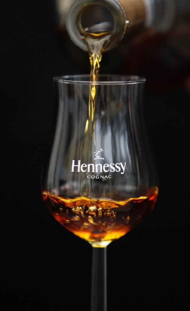 Loại ly thông dụng cho rượu Cognac