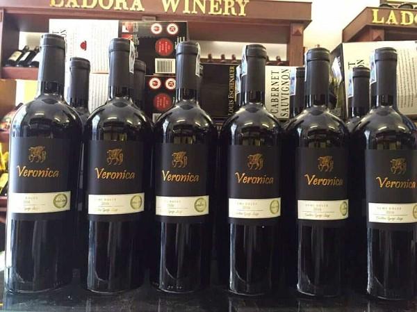 Rượu vang Veronica của Ý