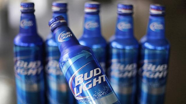 Bud Light - một màu xanh mướt mắt thu hút ánh nhìn