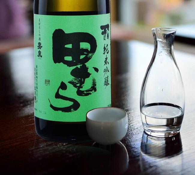 Độc đáo cách thưởng thức mới lạ cùng rượu Sake Nhật