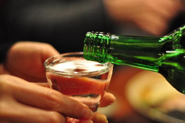 Đối với người Hàn, văn hóa uống rượu cực kỳ quan trọng và không được xem thường hoặc qua loa điều đó