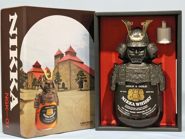 Hình ảnh Samurai trên chai rượu Whisky Nhật Bản