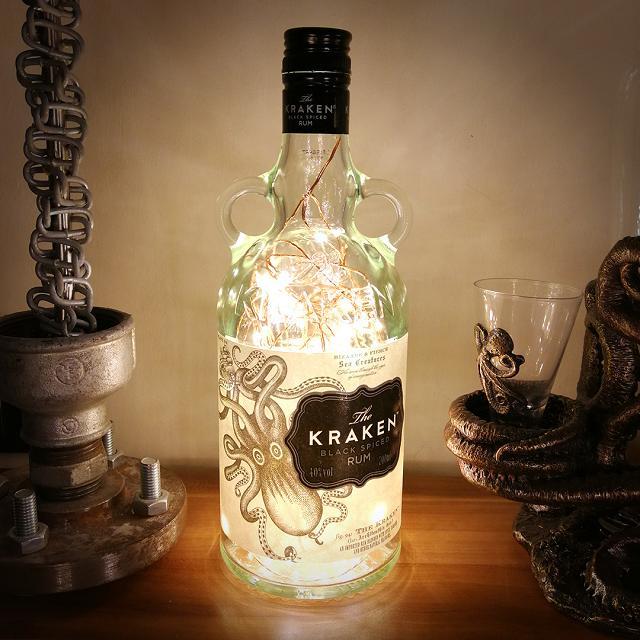 Light rum với màu trắng trong suốt đặc trưng