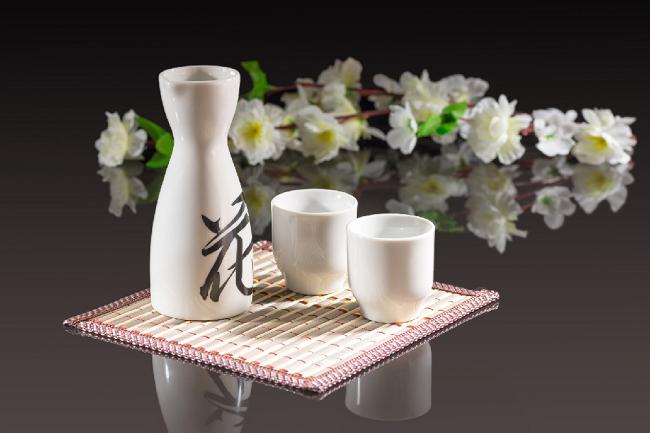 Phong cách uống rượu dân dã của người Nhật