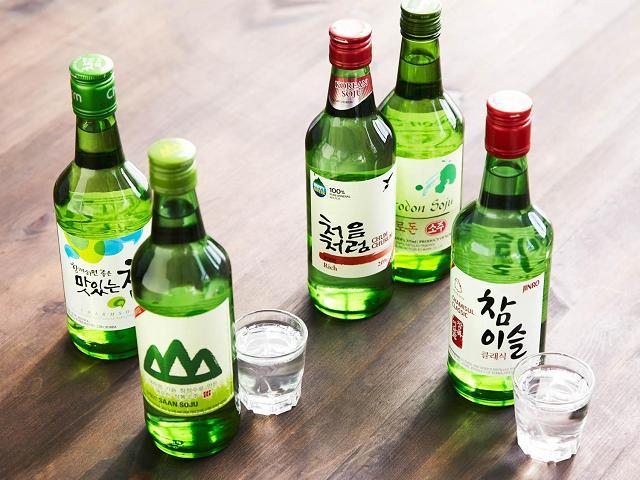Sochu Hàn Quốc, giá thành hợp lý, chất lượng thơm ngon, nhà nhà đều uống