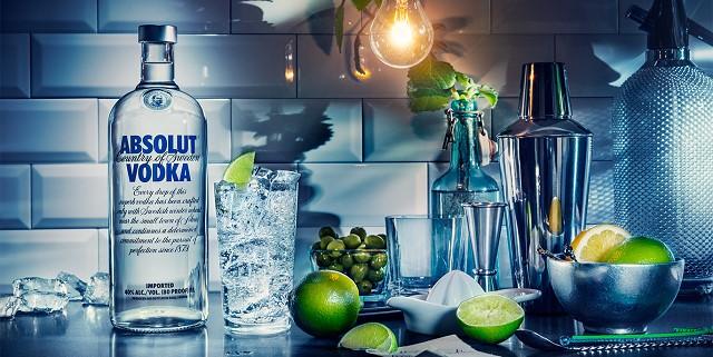 Vodka rất thích hợp và phổ biến để pha chế cocktail hoặc các loại đồ uống khác